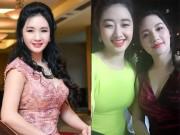 Làm đẹp - Nhan sắc trẻ đẹp bất ngờ của mẹ ruột tân Hoa hậu Bản sắc Việt