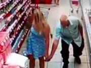 Clip Eva - Thiếu nữ mặc váy siêu ngắn bị gã đàn ông chụp lén