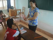 Tin tức - Cô giáo bỏ dạy trường bình thường dành trọn 20 năm nuôi dạy trẻ khuyết tật