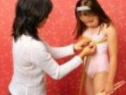 Tin tức - Bé gái chỉ mới 9 tuổi đã bị bướu vú