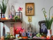 Nhà đẹp - Cách lau dọn bàn thờ để không tán lộc, động tài