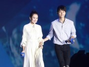 Làng sao - Xem Song Joong Ki đối xử lịch thiệp với Chương Tử Di như thế nào!