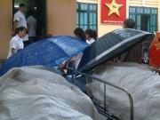 Tin tức - Sự thật bức ảnh bệnh nhân nằm cáng, đội mưa chờ mổ tại BV Việt Đức gây xôn xao