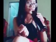 Clip Eva - Video: Cái kết đắng lòng của cô gái quá buồn nên uống nước mắm