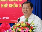 Tin tức - Đà Nẵng: Trao giấy khai sinh, BHYT, hộ khẩu tại nhà để chào đón trẻ em ra đời