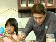 Tin tức giải trí - Huy Nam hài hước trổ tài nấu rau câu trên truyền hình