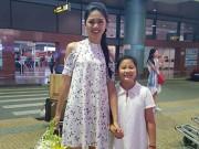 Làng sao - Á hậu Ngô Thanh Thanh Tú về Hà Nội lúc đêm muộn