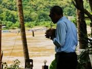 Tin tức - Tổng thống Obama dạo phố, uống nước dừa ở Lào