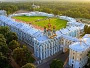Tin tức - Bà mẹ Trung Quốc cho con tè giữa cung điện Nga tráng lệ