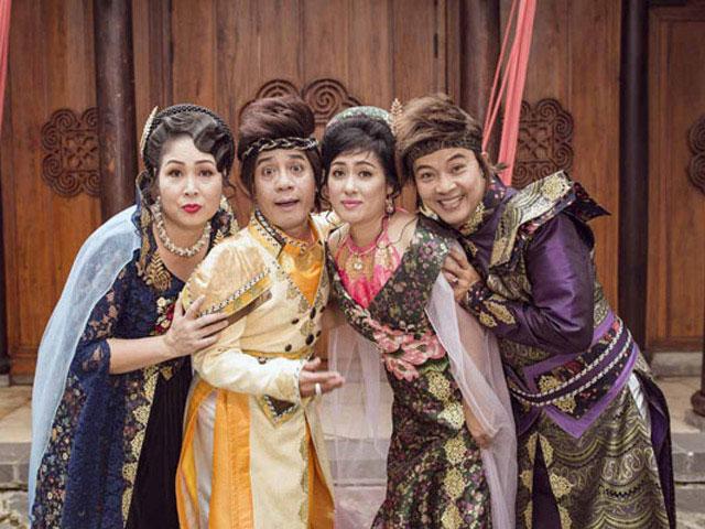 """4  """" thánh hài """"  Hồng Vân, Minh Nhí, Thanh Thủy, Đức Hải mặc trang phục kỳ ảo"""