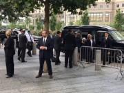 Tin tức - Lộ video bà Hillary Clinton 'ngã khuỵu' khi rời lễ tưởng niệm 11/9
