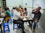 Bữa tối bún chả của Obama tại Hà Nội chỉ là một kịch bản lên trước đó cả năm trời