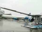 Tin tức - Siêu bão Meranti mạnh nhất thế giới thổi dạt máy bay Boeing tại Trung Quốc