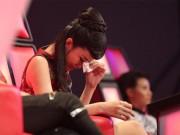 Làm mẹ - Đông Nhi khóc nấc vì học trò The Voice Kids bị chỉ trích