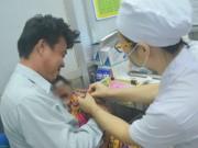 Phụ huynh yên tâm vì TP. HCM sẽ không khan hiếm vắc xin từ nay đến cuối năm