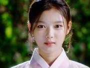 Xem & Đọc - Mây họa ánh trăng tập 9: Kim Yoo Jung công khai phận nữ nhi trước mặt người yêu