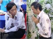 Làng sao - Hoài Linh từ chối người dân hiếu kỳ chụp hình, trầm ngâm trước linh cữu Minh Thuận