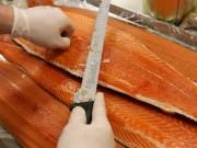 Mua sắm - Giá cả - Chuyên gia nói gì về thông tin cá hồi nuôi nhiễm ký sinh trùng, gây ung thư?