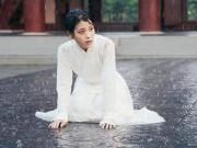 Xem & Đọc - Người tình ánh trăng tập 11: IU toàn thân bê bết máu, quỳ gối dưới mưa