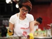 Bếp Eva - Cảnh Khánh Phương chặt đầu ba ba lên báo nước ngoài