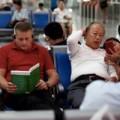 Tin tức - Hình ảnh đối lập về lối sống Á-Âu tại sân bay Bangkok