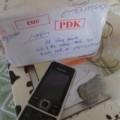 Tin tức - Gửi iPhone qua bưu điện, nhận... 2 cục đá