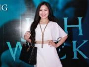 Làng sao - Hương Tràm vui vẻ xuất hiện sau scandal cấm diễn