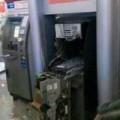 Tin tức - TQ: Tay không đập nát cây ATM vì bị nuốt thẻ