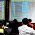 Nhà đầu tư chứng khoán run rẩy bắt đáy