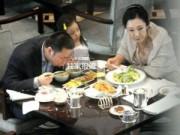 Người nổi tiếng - Bắt gặp chồng con Triệu Vy đi ăn cùng phụ nữ lạ mặt