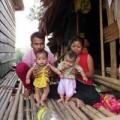 Tin tức - Kỳ lạ: Người Ma Coong vừa đẻ, vừa uống nước đang sôi