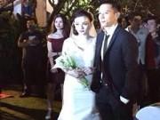 Làng sao - Thu Thủy bí mật kết hôn với bạn trai 12 năm