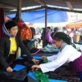 Mua sắm - Giá cả - Hàng hóa nào bán chạy nhất ở chợ vùng cao?