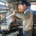 Tin nóng trong ngày - Thầy vào bếp lo bữa ăn cho trò