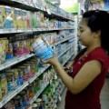 """Mua sắm - Giá cả - Giá sữa vẫn """"móc túi"""" người tiêu dùng"""