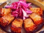 Bếp Eva - Biến tấu hấp dẫn với heo quay áp chảo