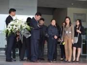 Tin trong nước - Thi thể 3 mẹ con trong vụ MH17 đã về sân bay Nội Bài