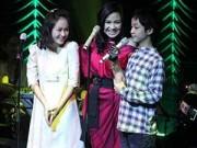 Làng sao - Những lần sao Việt tự hào khoe con trên sân khấu