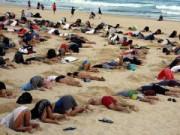 Tin quốc tế - Úc: 400 người vùi đầu xuống cát phản đối G20