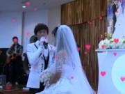 Clip Eva - Nghẹn ngào clip chú rể hát tặng vợ trong đám cưới
