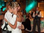 Tình yêu - Giới tính - Xúc động chú rể bại liệt cố gắng khiêu vũ vì vợ