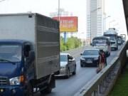 """Tin tức - Đi bộ vào đường cao tốc trên cao: Tự đi vào """"cửa tử"""""""
