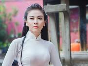 Xem & Đọc - Hà Minh Ngọc dịu dàng áo dài ngày Nhà giáo VN