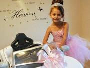 """Làm mẹ - Cô bé """"siêu chảnh"""" nước Anh tặng Audi kim cương làm từ thiện"""