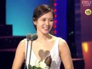 """Làng sao - """"Nữ hoàng phim bi"""" chiến thắng tại Oscar Hàn Quốc"""