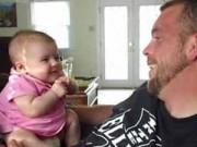 "Clip Eva - Em bé bi bô nói ""I love you"" với bố"