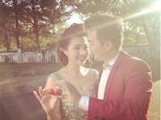 Làng sao - Lê Khánh chụp ảnh cưới với bạn trai lâu năm