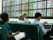 VN-Index đột ngột giảm sâu, nhà đầu tư đổ tiền bắt đáy