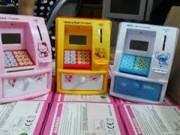 Dạy con - Phụ huynh rộ mốt sắm ATM mini cho con tiết kiệm tiền