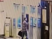 Clip Eva - Vác búa đập 9 cây ATM vì không rút được tiền